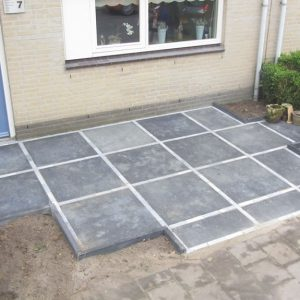 Bestrating terras in Etten-Leur